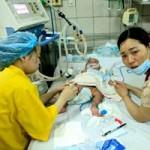 Tin tức trong ngày - Chùm ảnh: Những đứa trẻ chống chọi với bệnh sởi