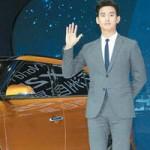 """Phim - Chỉ 2 phút, Kim Soo Hyun """"đốn tim"""" 8.000 fan Trung"""