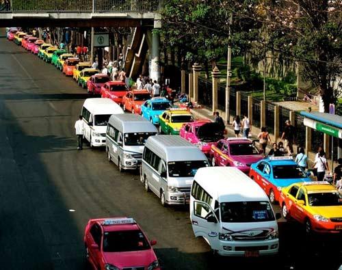 Độc đáo những chiếc taxi sắc màu ở Bangkok - 3