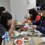 Bóng đá - Đội tuyển nữ Việt Nam: Chuyện bữa cơm…