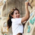 Thể thao - Hotgirl Khả Ngân chinh phục leo núi trong nhà