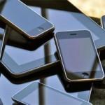 Tin tức trong ngày - TQ: Cướp điện thoại nhái, đánh rơi iPhone xịn
