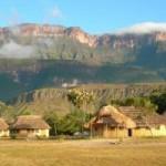 Du lịch - Khám phá những ngọn núi hùng vĩ nhất thế giới