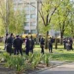 Tin tức trong ngày - Người biểu tình thất thủ tại miền Đông Ukraine