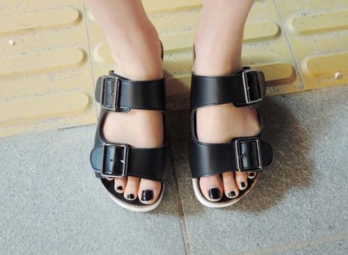4 kiểu giày tín đồ hè không thể thiếu - 4