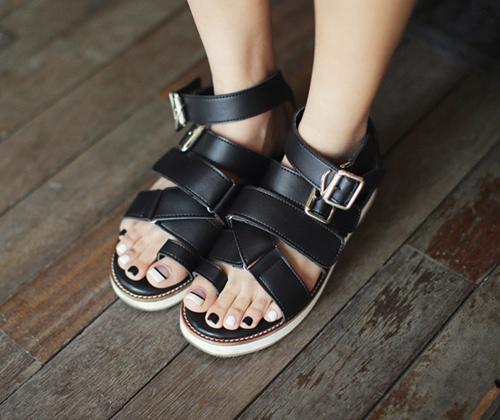 4 kiểu giày tín đồ hè không thể thiếu - 2