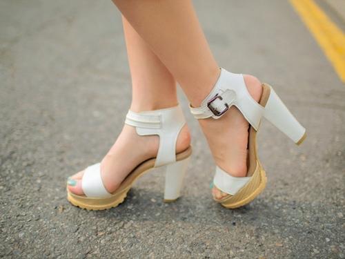 4 kiểu giày tín đồ hè không thể thiếu - 8