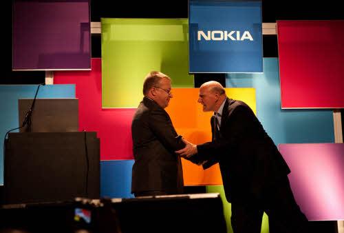 Nokia chính thức về tay Microsoft - 1