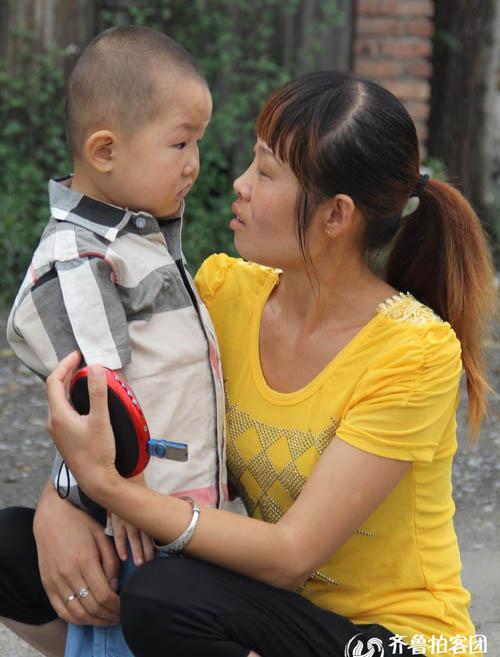 Gặp cậu bé 3 tuổi làm tan chảy triệu trái tim - 4