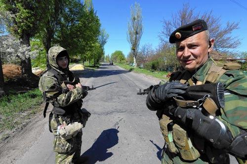 Ukraine: Chiến binh ly khai chờ Nga đến cứu - 3