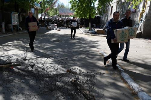 Ukraine: Chiến binh ly khai chờ Nga đến cứu - 2
