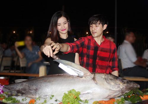 Đông Nhi hạnh phúc bên Ông Cao Thắng - 5