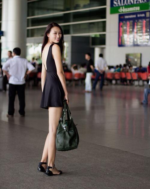 Minh Hằng, Hà Hồ khoe eo thon, chân nuột - 7
