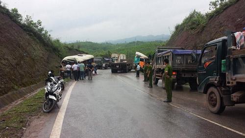 Quảng Ninh: Tai nạn thảm khốc, 11 người thương vong - 1