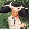 Tộc người dùng tóc làm... mũ