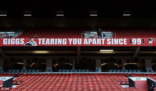 MU: Old Trafford náo nhiệt chào đón Ryan Giggs - 3