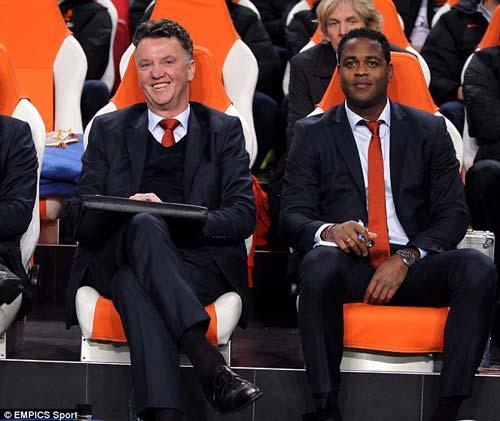 Tin HOT tối 27/4: Rooney gọi điện cám ơn Moyes - 2