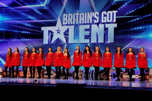 Cậu bé giao báo gây sốt Got Talent Anh - 6