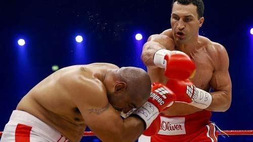 Klitschko em hạ KO Leapai: Chiến thắng nhiều ý nghĩa - 1