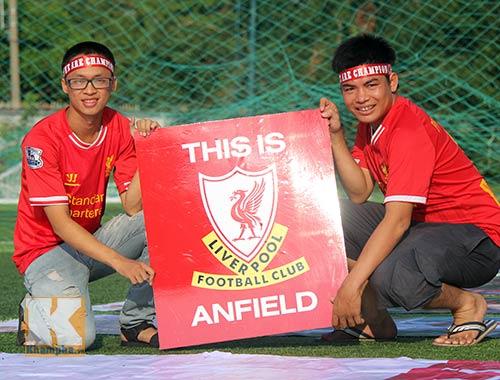 """CĐV Liverpool dựng """"chảo lửa"""" Anfield giữa Sài Gòn - 3"""