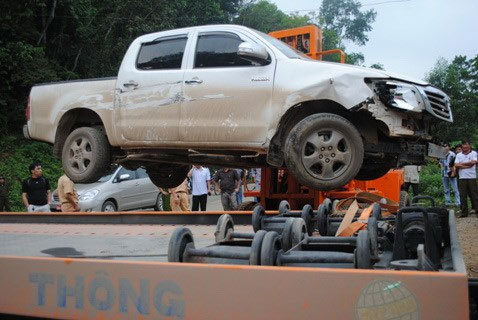 Cảnh sát bao vây bắt đối tượng lái xe tông vào CSGT - 1