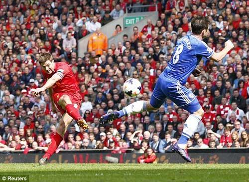 Liverpool - Chelsea: Trả giá vì sai lầm - 1
