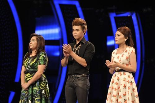 """""""Búp bê quái vật"""" vào chung kết Vietnam Idol - 1"""