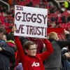 MU: Old Trafford náo nhiệt chào đón Ryan Giggs