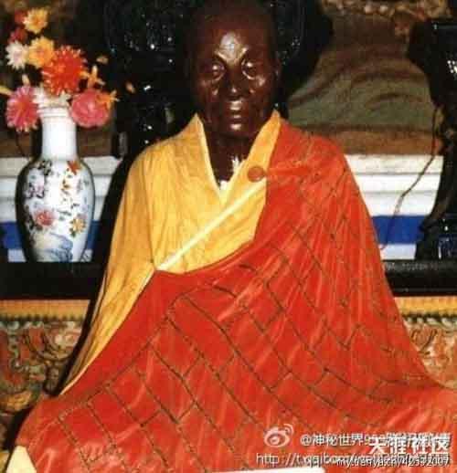 """Bí ẩn về """"đại sư hóa Phật"""" ở Trung Quốc - 1"""