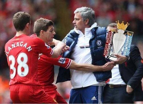 Ảnh chế: Gerrard trượt chân, Liverpool rơi cúp - 6