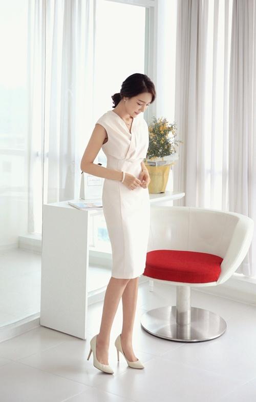 Khéo chọn váy cho nàng công sở giản dị - 1