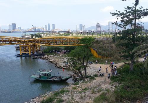 Đà Nẵng: Tìm thấy thi thể nữ sinh nhảy cầu tự tử - 1