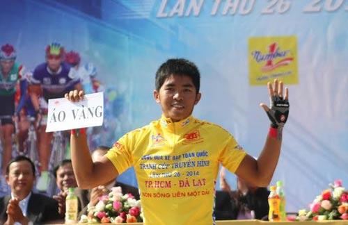 Cuộc đua xe đạp HTV 2014: Cua-rơ của Đồng Tháp bị gãy tay, dập cột sống - 4