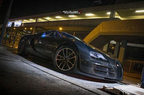 Bugatti Veyron Super Sport đầu tiên đến Hồng Kông - 11