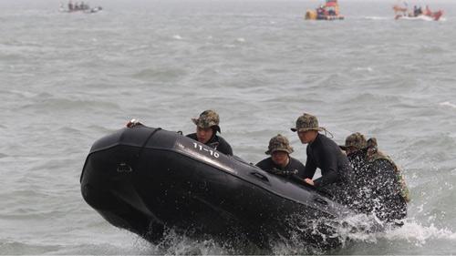 Thuyền trưởng mặc quần đùi cuống quýt rời phà Sewol - 2