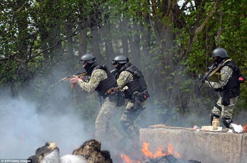 """Nga """"đảm bảo"""" sẽ không xâm lược Ukraine - 2"""