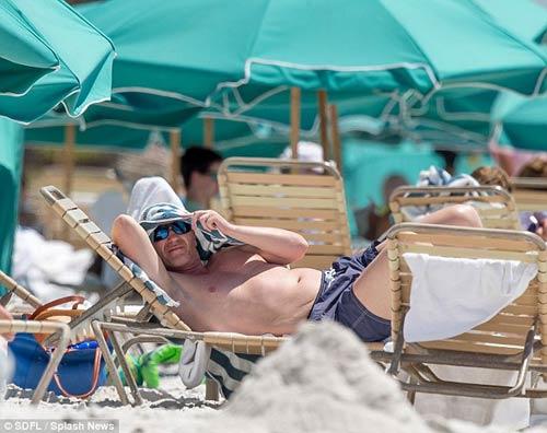 """David Moyes đi biển tránh """"bão"""" - 5"""