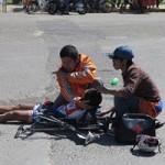 Thể thao - Cuộc đua xe đạp HTV 2014: Cua-rơ của Đồng Tháp bị gãy tay, dập cột sống