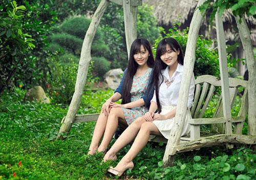 Chị em 9X sinh đôi xinh đẹp và cá tính - 7