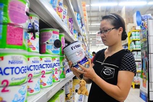 Áp trần, giá sữa sẽ giảm 70.000 đồng/hộp - 1