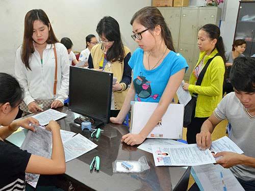 TP.HCM: Hồ sơ thi ĐH, CĐ giảm mạnh - 1
