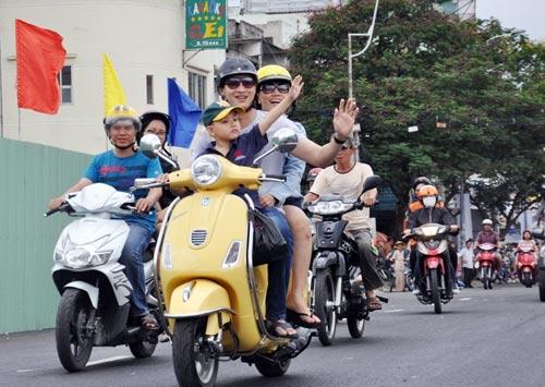 Thông xe cầu Lê Văn Sỹ ở trung tâm Sài Gòn - 5