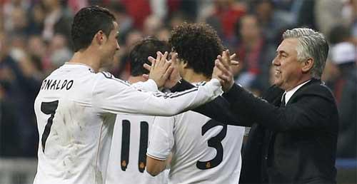 Ngày Ronaldo lập kỉ lục: Chim mồi và thợ săn - 2