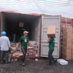 Thị trường - Tiêu dùng - Thêm 14 container hàng nghi nhập lậu
