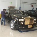 Ô tô - Xe máy - Rolls-Royce Phantom mạ vàng, in hình rồng ở Quảng Ninh