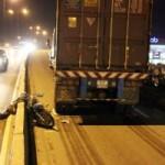 Tin tức trong ngày - Đi vào đường cấm, đâm container, một người nguy kịch