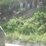 Tin tức trong ngày - Gia Lai: Tìm gỗ sưa, dân phá tung quốc lộ