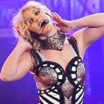 Ca nhạc - MTV - Britney Spears bị kiện vì làm gãy mũi vũ công
