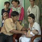 Tin tức trong ngày - Bắt cóc 2 trẻ sơ sinh đưa lên núi rồi cạo trọc đầu