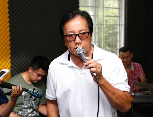 """Elvis Phương, Mr. Đàm """"hâm nóng"""" phòng tập - 2"""
